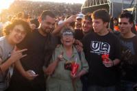 Концерт Металлики в Сантьяго посетила 76-летняя бабушка.